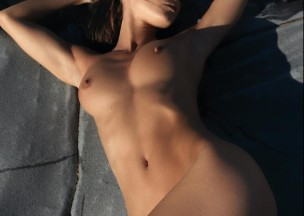 20460-Sleeping-beauty-naked.jpg